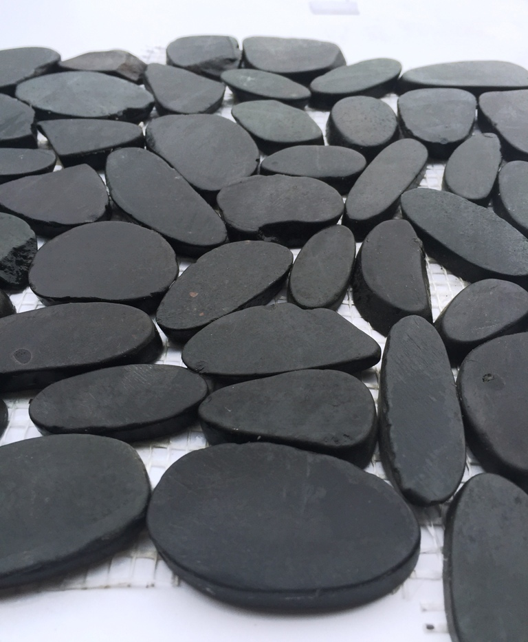 Charcoal Flat Interlocking 12x12 Polished Pebbles