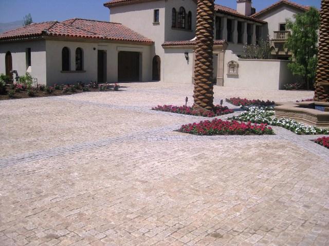 Giallo Fantasia 4X4 Cobble Stone