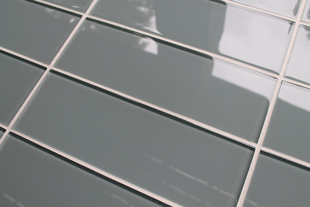 Wall And Tile Ice Grey 4x12 Gl Subway